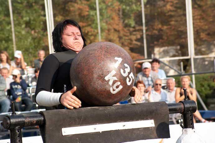08 Мая. На Украине в Киеве живёт самая сильная женщина планеты. Ей