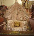 «Уютный домик» из соломы и льна